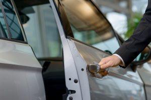 Độ cửa hít là gì? Có nên lắp đặt cửa hít cho xe ô tô?